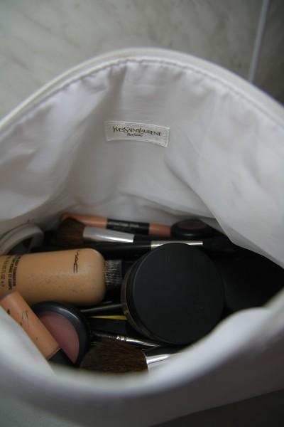 Купить сумки YVES SAINT LAURENT Ив Сен Лоран в интернет
