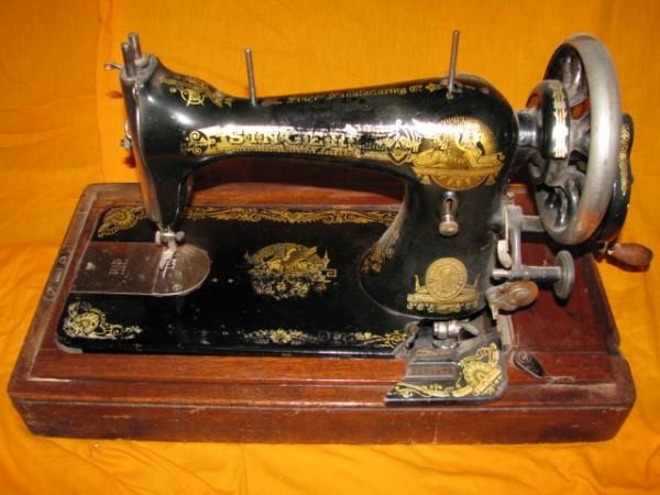 машинка швейная ручная фото